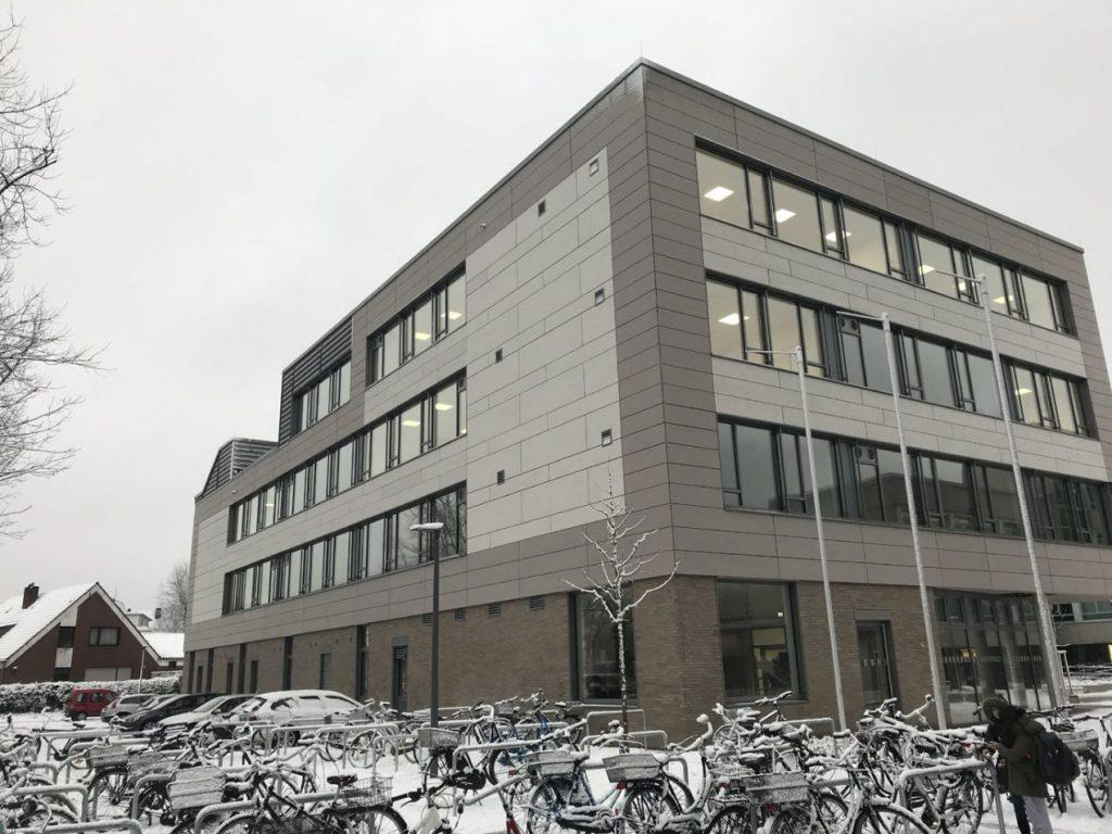 die-gebaeudetechnik-de-airflow-abendgymnasium-bild-1